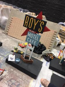 Miniature vintage motel sign models- Roy's unweathered