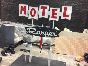 Miniature vintage motel sign models- Ranger unweathered