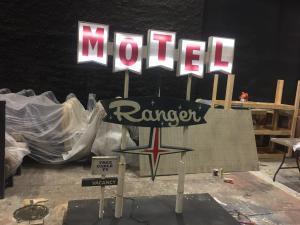 Miniature vintage motel sign models- final Ranger